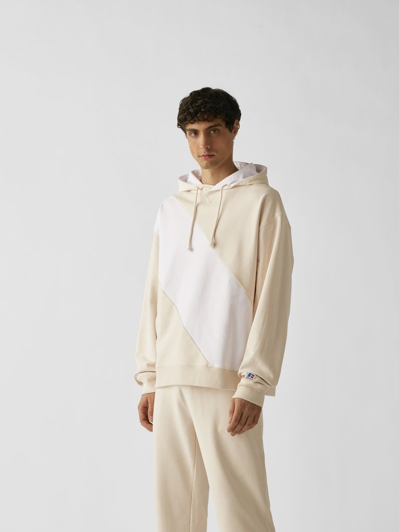 BOSS x Russell Athletic Hoodie mit Brand-Detail Sand - 1