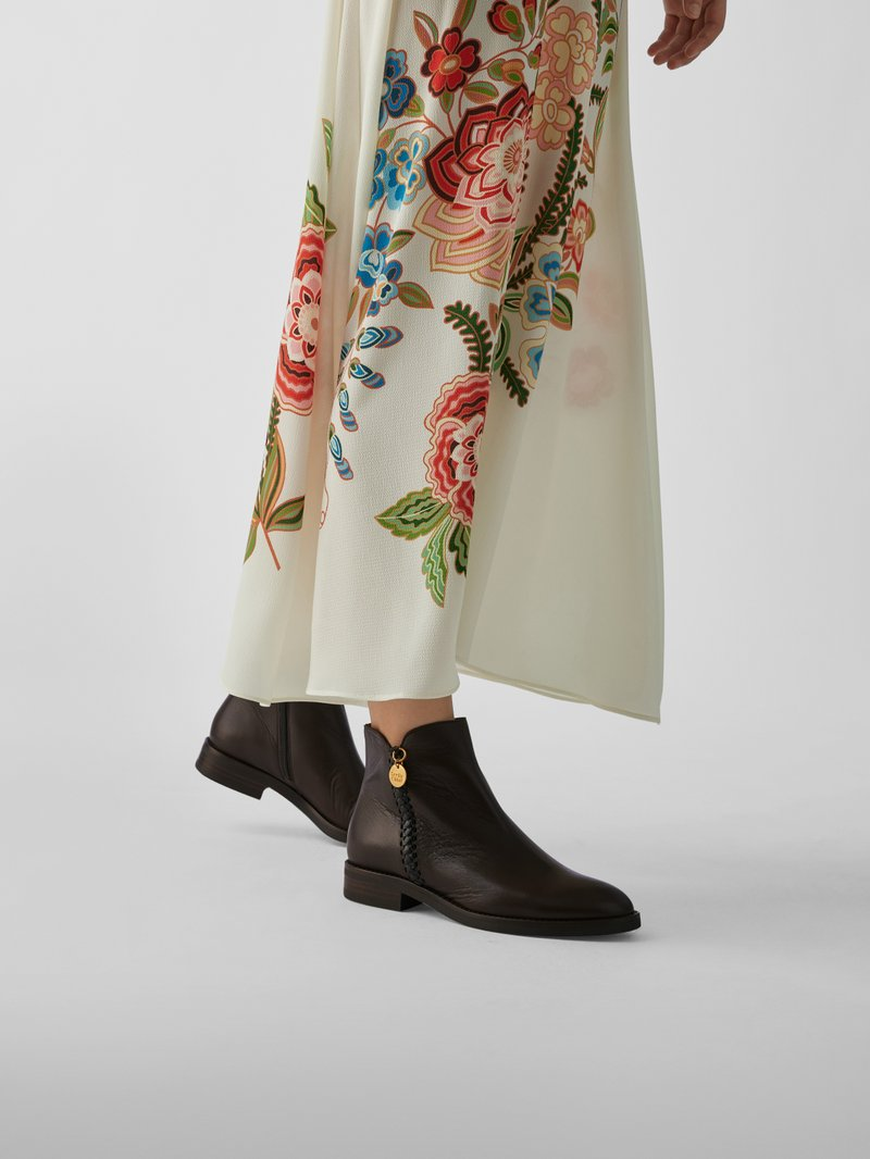See by Chloé Ankle Boots mit Ziernaht in Braun - 1