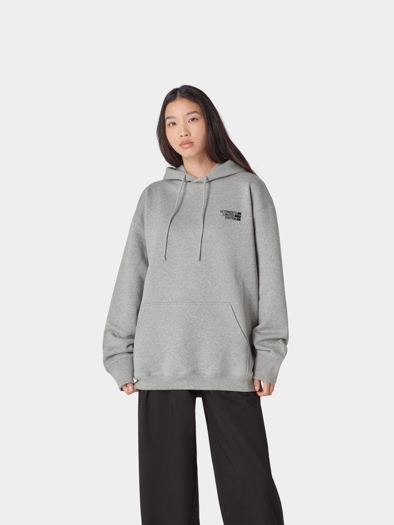 VETEMENTS Hoodie mit Logo-Applikation Mittelgrau meliert - 1