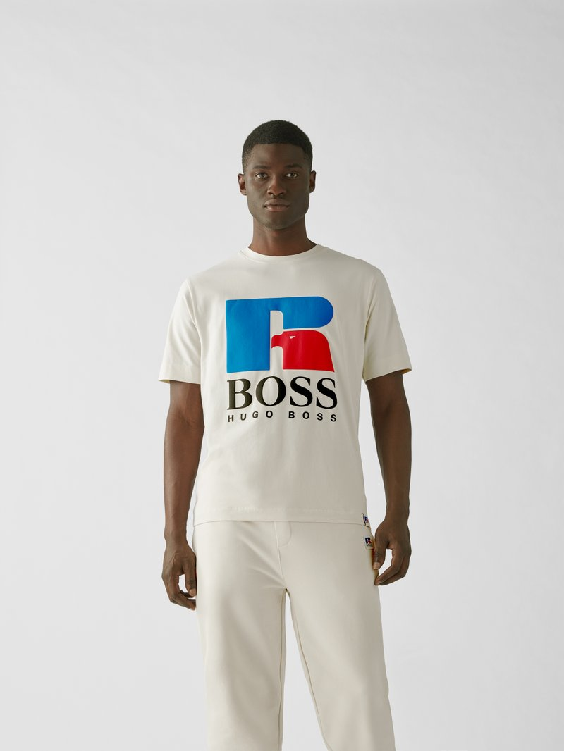 BOSS x Russell Athletic T-Shirt mit Print Sand - 1