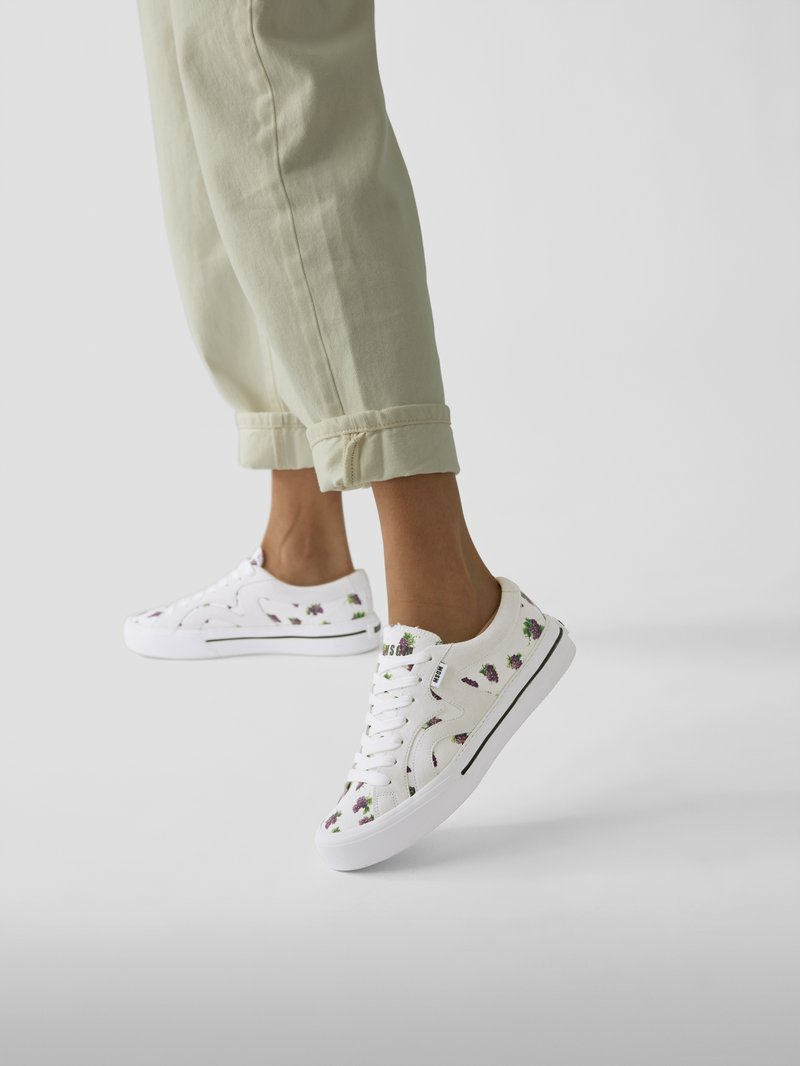 MSGM Sneaker mit Allover-Muster in Weiß - 1